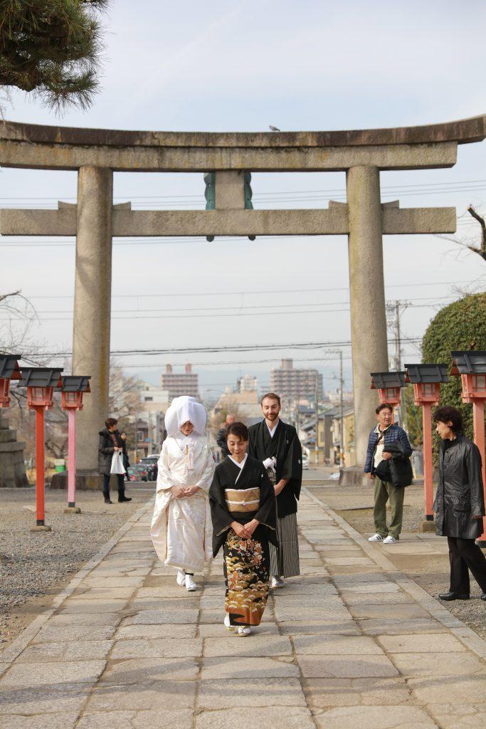 honeymoon travel in japan torii