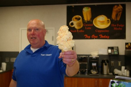 "A ""single-dip"" at Tofts Dairy in Sandusky"