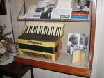 Accordian seen in iconic FDR death photo