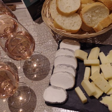 rose wine and cheese