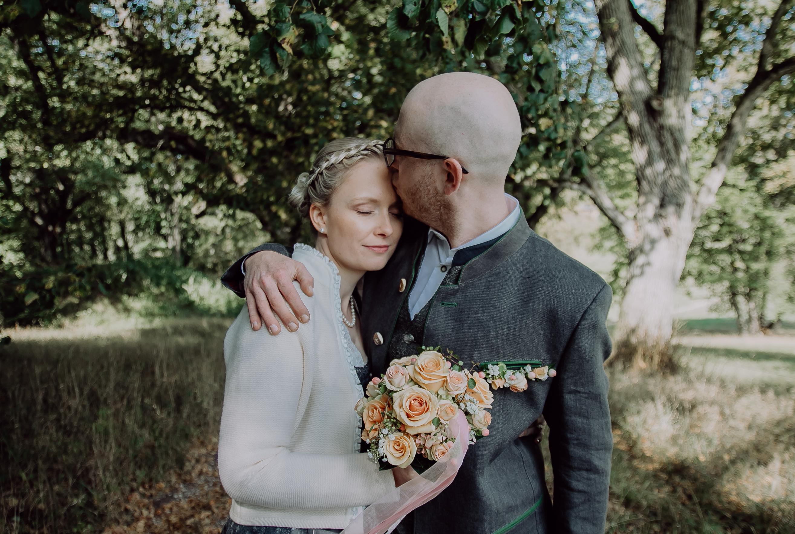 Laura und Hannes bei ihrem Brautpaarshooting in Neuburg