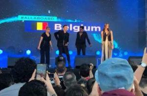 Sennek on stage