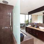 Pros Cons Of Doorless Showers
