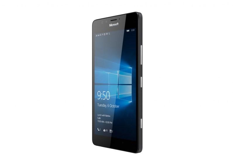 Lumia_950_Black_AngleRight_DSIM