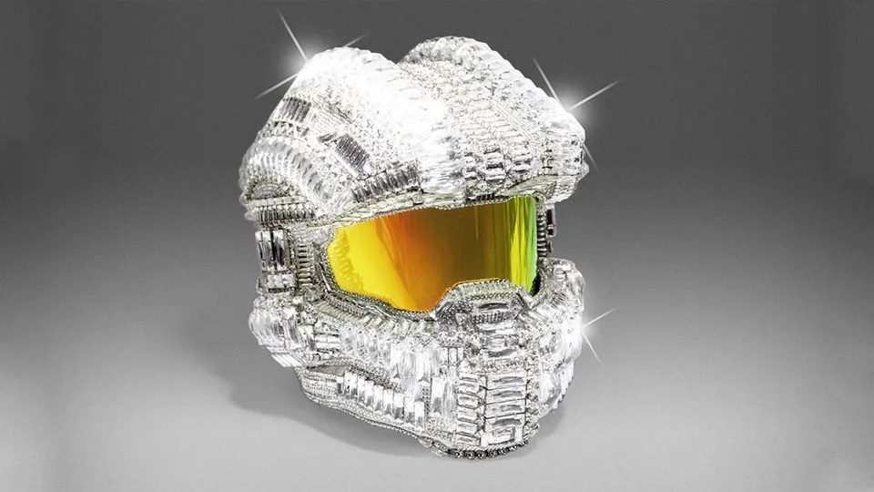 Casco del Jefe Maestro con 25.000 cristales Swarovski