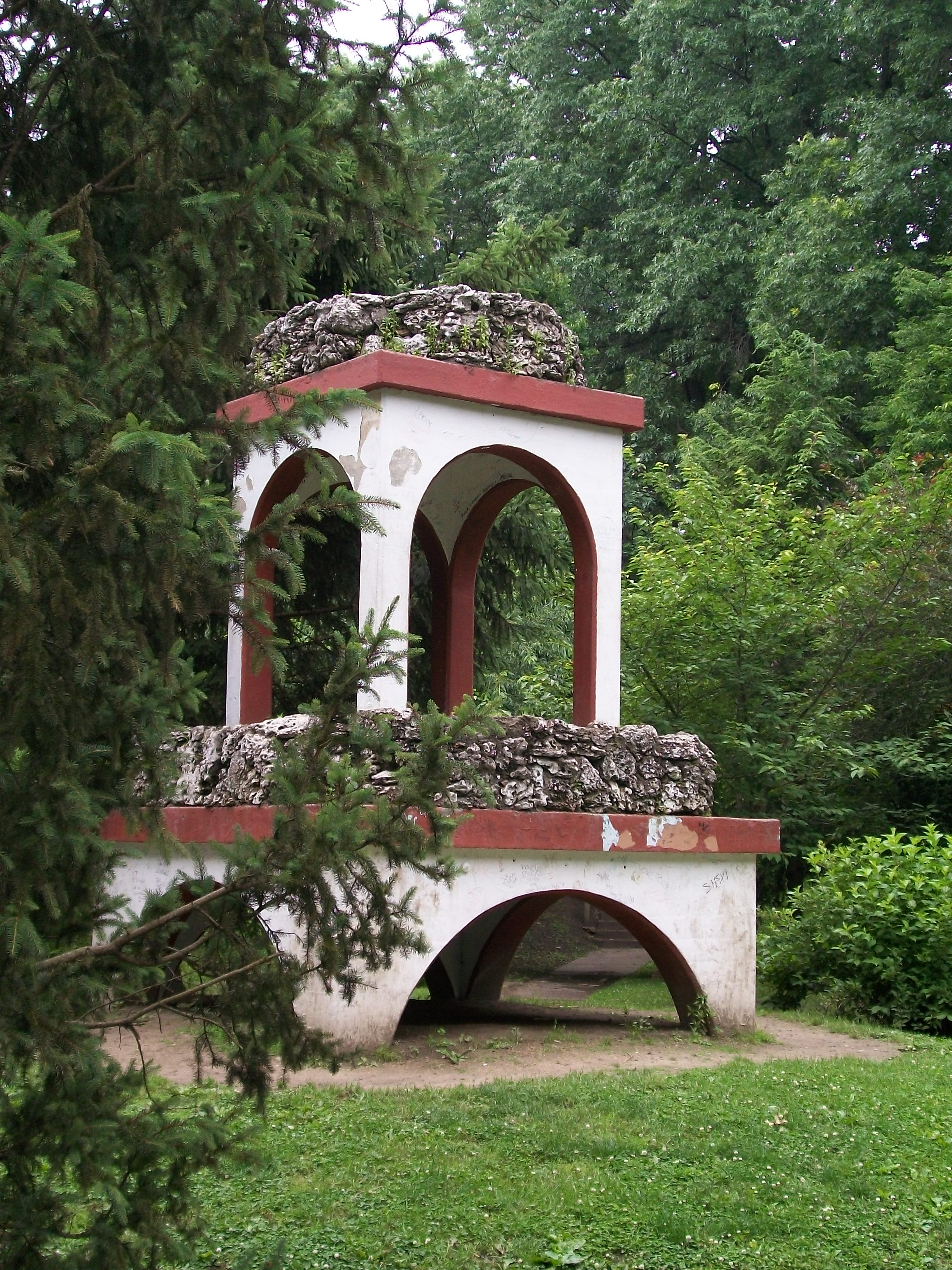 The old diving board structure in the sunken garden - formerly the first swimming pool
