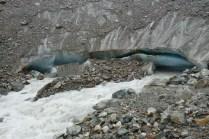 Noch 20m Wahnsinn. Blaues Gletschereis und ich weiß nicht wo so viel Wasser herkommt.