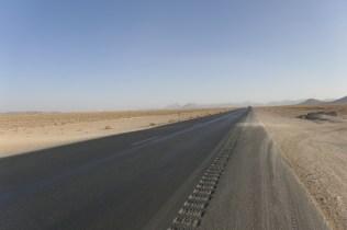 Getrennte Autobahnführung spart Milliarden an Leitplankenkosten. Die Gegenrichtung liegt einen Kilometer weiter links