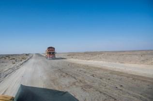 Der Strassenzustand ist nicht immer taufrisch. Wohlgemerkt ist dies die Hauptverbindungsroute Richtung Osten.