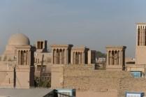 Zur Visaverlängerung in die Wüstenstadt Yazd. Badgire als Windfänger für natürliche Gebäudekühlung.