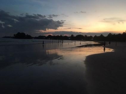 Abendstimmung am Strand von Weligmama.