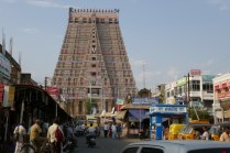 Sri Ranganathaswamy Temple mit der größten Tempelanlage Indiens, ist der Hindi-Gottheit Vishnu gewidmet.