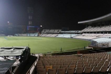Nach sehr aufwendiger Überzeugungsarbeit bekomme ich für 10 Minuten Einlass in Cricket-Stadion :-)