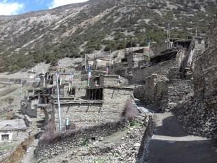 Typische Architektur der Bergdörfer. Die Steine sind sehr aufwendig handbearbeitet.