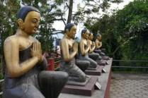 Buddhas Schüler im Klostergarten.