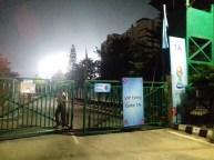 Zurück in Guwahati: Mit VIP-Freikarte zum U17 Spiel Mexiko-Chile.