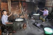 Zu Gast bei der Tofuherstellung.