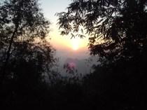 Zum Sonnenaufgang hoch zum Mt. Zwegabin.