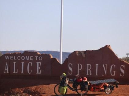 Rueckblick: Halbzeit, Ankunft in Alice Springs