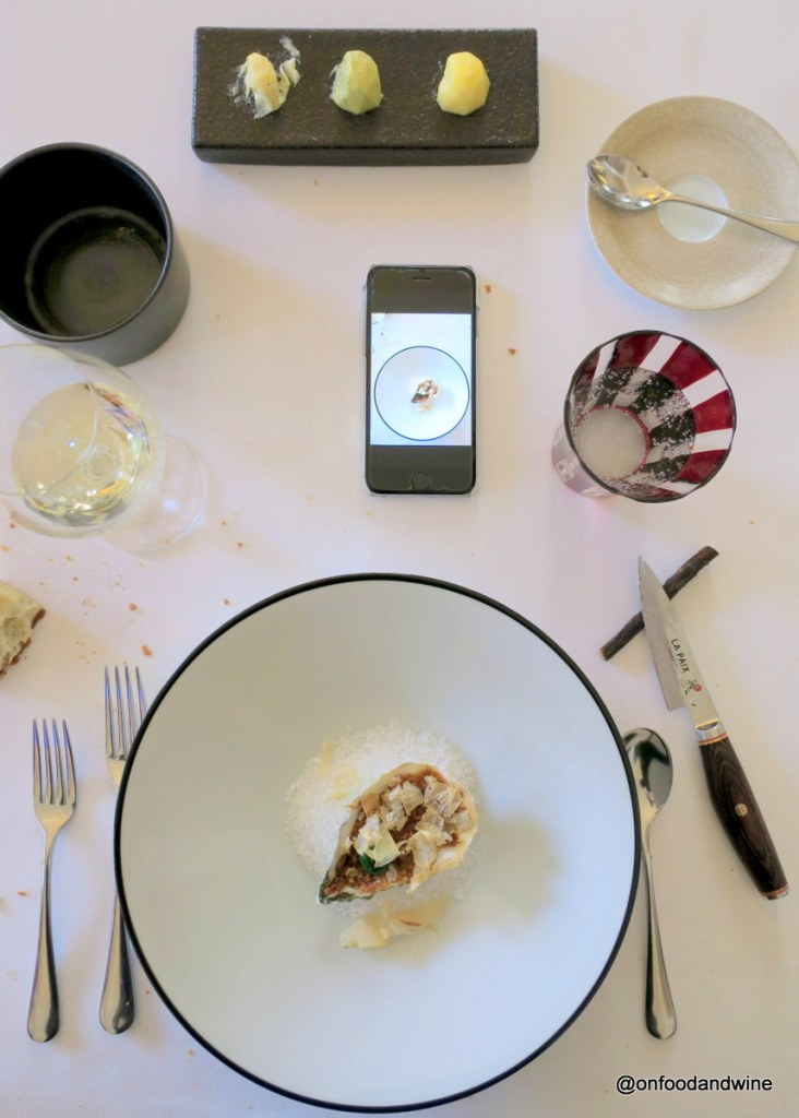 eating starred food at #LaPaix in #Brussels and testing out @LaFourchetteMmm - review by @onfoodandwine