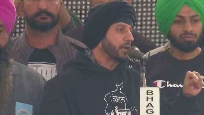 Jazzy B, Indian-Canadian Singer, Joins the Protesting Farmers in Delhi, Lends His Support To The Cause