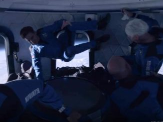 Jeff Bezos Shares Video of Himself With Other Crew Members Floating in Space in Zero Gravity, Captions it 'This Is How It Starts'