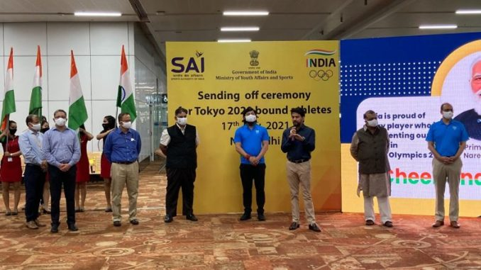 Tokyo Olympics 2020: Sports Minister Anurag Thakur Gives Send Off to Indian Athletes