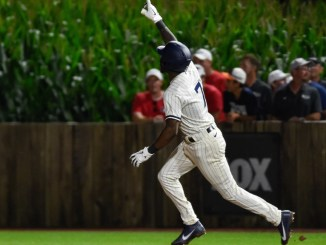White Sox beat Yankees 9-8 in exciting game played at Field of Dreams
