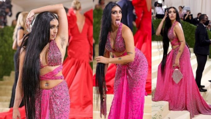 Madonna's Daughter Lourdes Leon Flaunts Armpit Hair in Hot Pink Moschino Dress at Met Gala 2021 (View Pics)