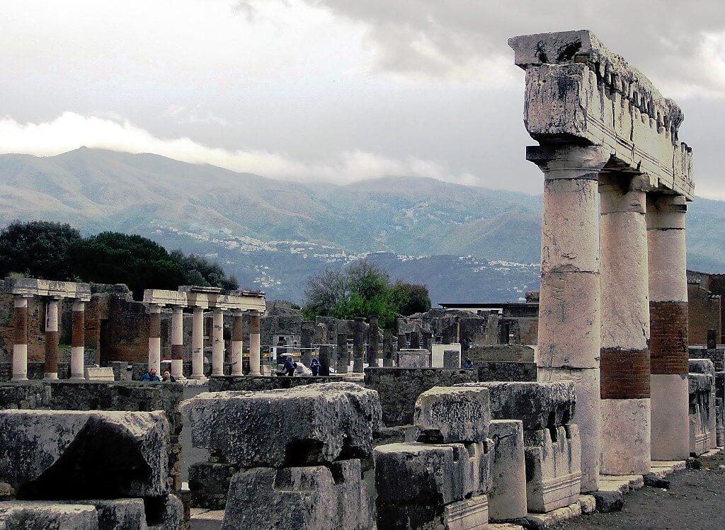 Colonnes à Pompéi