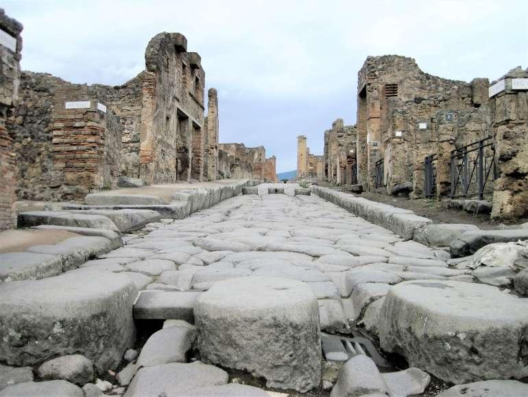Route à Pompéi