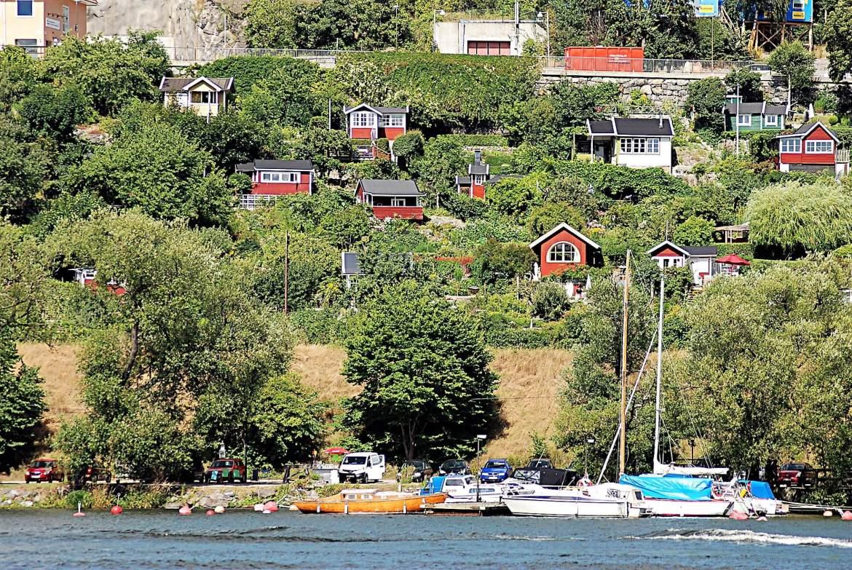 Jardins qui bordent la mer à Stockholm