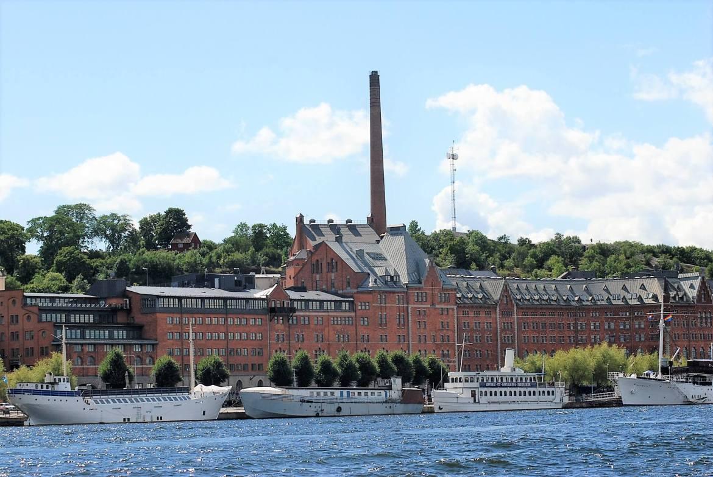 La brasserie de Stockholm vue depuis le bateau