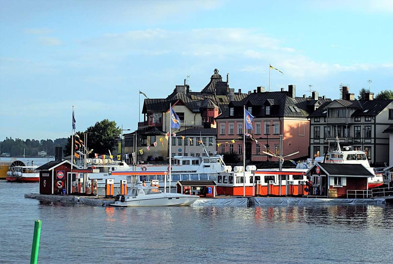Port de Vaxholm capitale de l'archipel de Stockholm