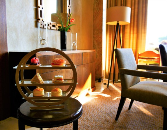 Afternoon tAfternoon tea à Lausanne au Beau-Rivageea à Lausanne Beau-Rivage Palace Lausanne Vaud Suisse Blog voyage suisse cosy On holidays again
