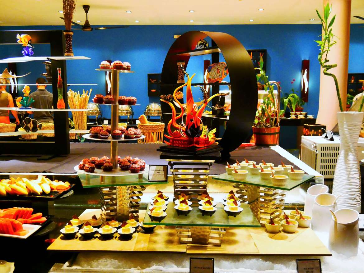 Buffet du soir restaurant Veligandu Island resort