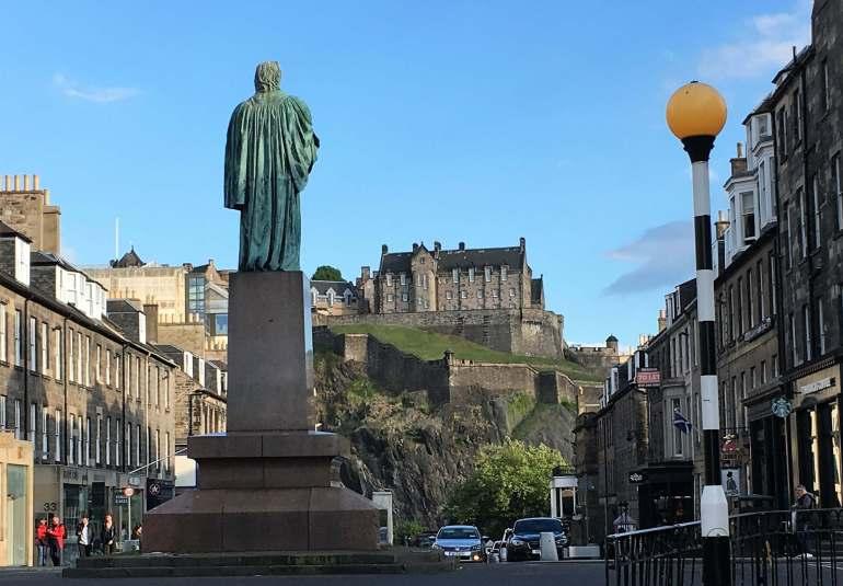 Vue sur le château d'Edimbourg Ecosse