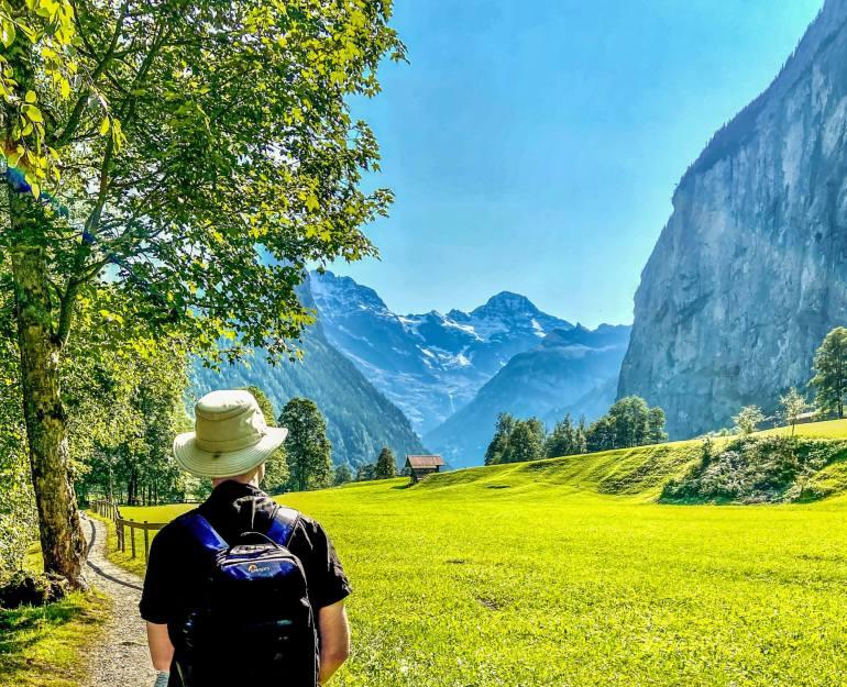 Vallée Lauterbrunnen et vue Breithorn