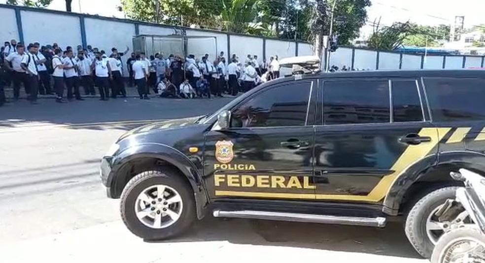 Motoristas de ônibus fazem paralisação no Rio; TRE-RJ aciona a Polícia Federal