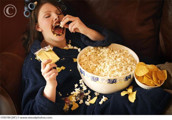 depresión woman_eating_junk_food_1785780