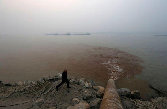 長江の排水パイプ