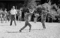 Mestre Portela no fundo, a jogar:José Luís e Joca