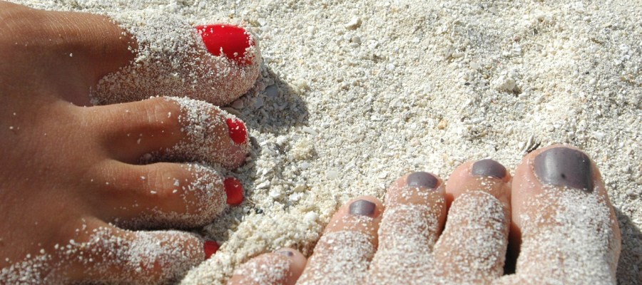 Feet Sand Nails Varnish Beach  - inside4 / Pixabay