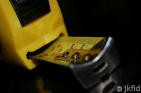 Builders-Measuring-Tape-2