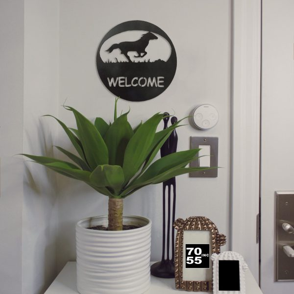 black-horse-welcome-circle-by-door-scaled