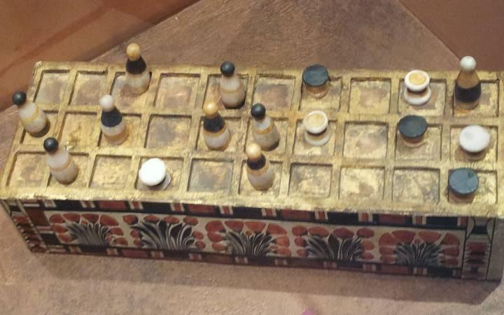 Porijeklo i istorija kockanja - igra Senet, Bonus Casino
