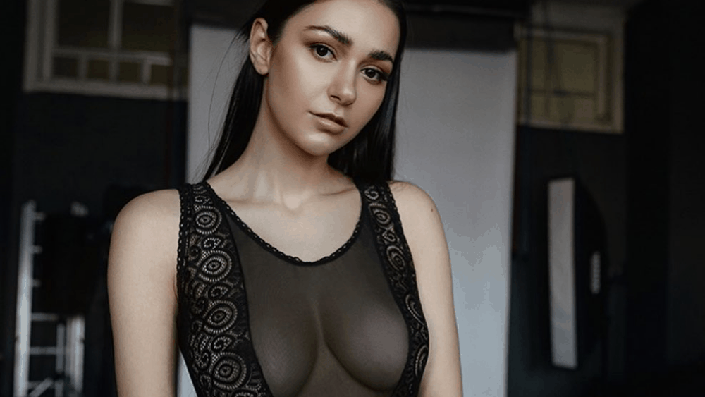 Russian Women: Meeting, Dating, and More (LOTS of Pics) 16