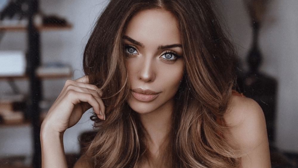 Russian Women: Meeting, Dating, and More (LOTS of Pics) 35