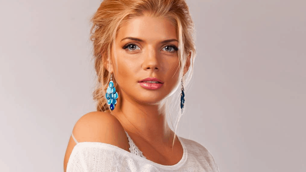 Russian Women: Meeting, Dating, and More (LOTS of Pics) 49