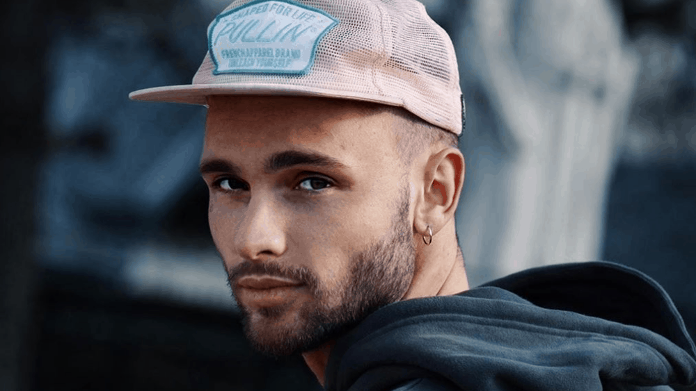 Canadian Men – Meeting, Dating, and More (LOTS of Pics) 58